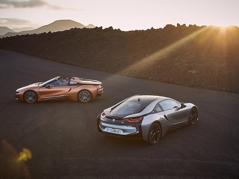 De nieuwe BMW i8 Roadster en nieuwe BMW i8 Coupé.