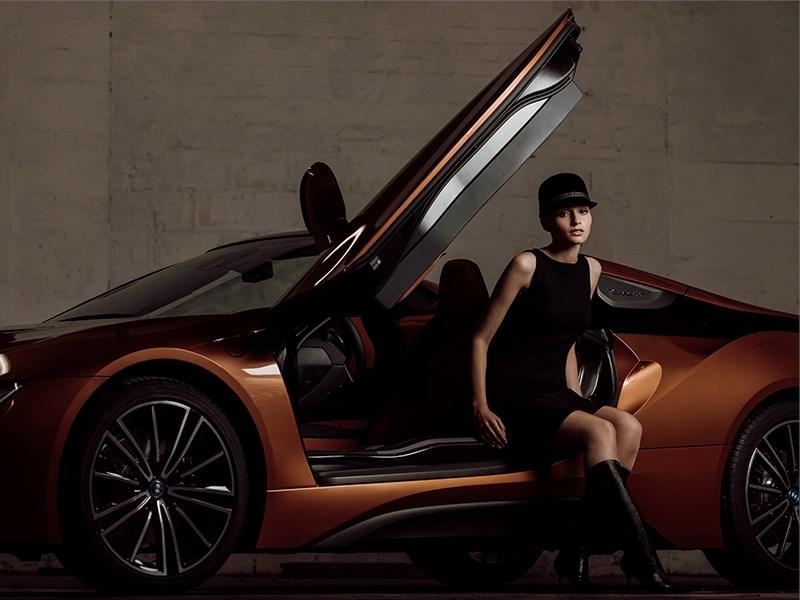 Exclusieve hoeden voor bij de nieuwe BMW i8 Roadster.