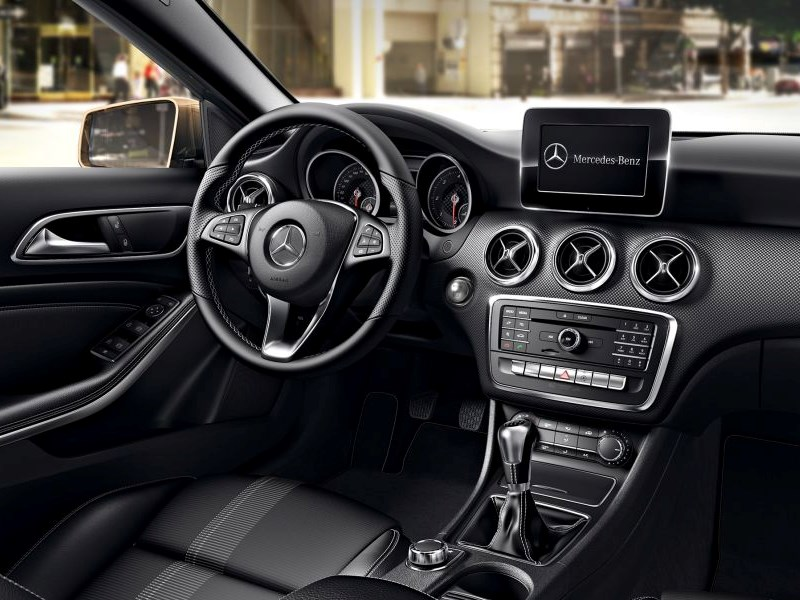 Téléphonie et Multimédia dans les véhicules Mercedes-Benz