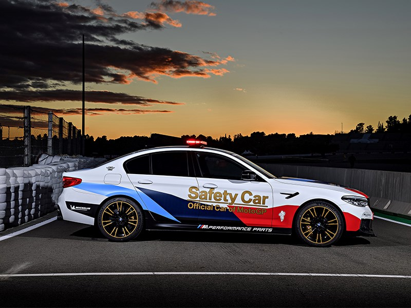 """20 jaar: BMW M start verjaardagsseizoen als """"Officiële auto van de MotoGP™""""."""