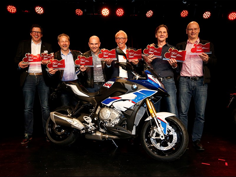 "BMW Motorrad populairste merk in ""2018 Motorcycle of the Year"" volgens de stem van de lezers."