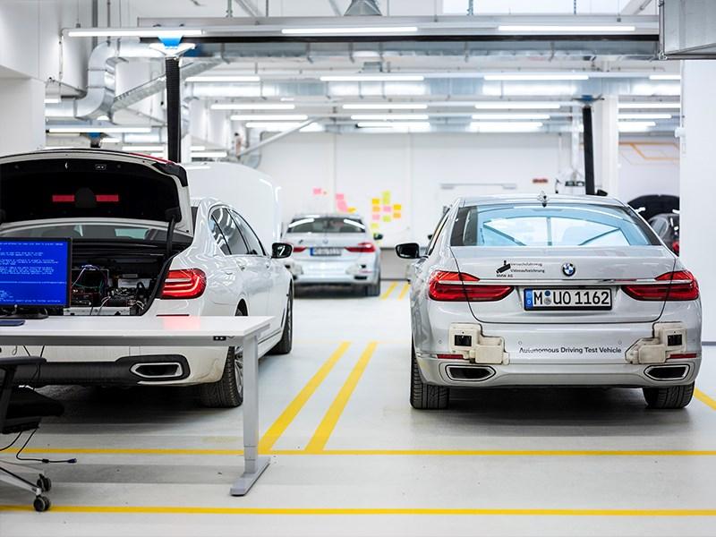 Nieuw kenniscentrum voor 'autonoom rijden'