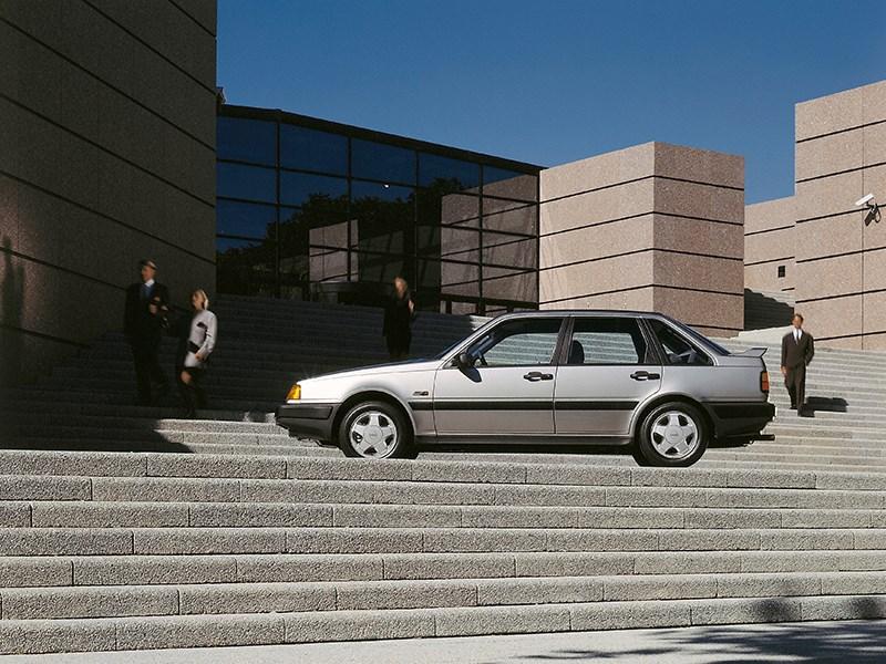 Volvo 440 - een toekomstgerichte Volvo viert zijn 30e verjaardag