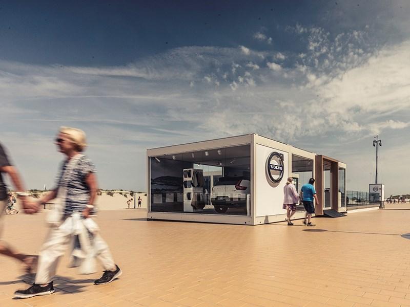 Volvo Cars Belux showt de hele zomer wagens in Nieuwpoort