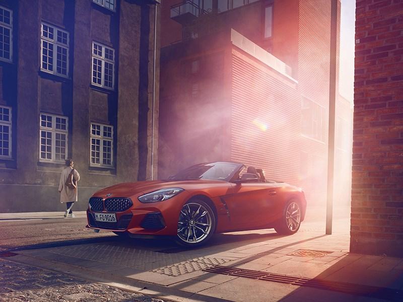 De roadster opnieuw gedefinieerd: wereldpremière van de nieuwe BMW Z4 in Pebble Beach.