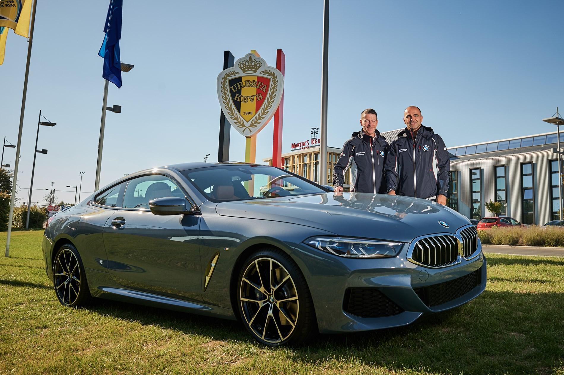 De nieuwe BMW 8 Reeks met Roberto Martinez, bondscoach van de Rode Duivels, én de BMW 507 van Elvis Presley worden de blikvangers van de Zoute Grand Prix 2018.
