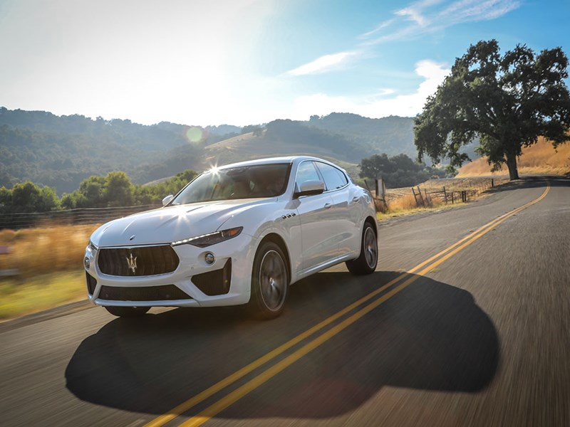 Spotlight on the Maserati Levante with V8 engine in the GTS and Trofeo trims at the Los Angeles Auto Show