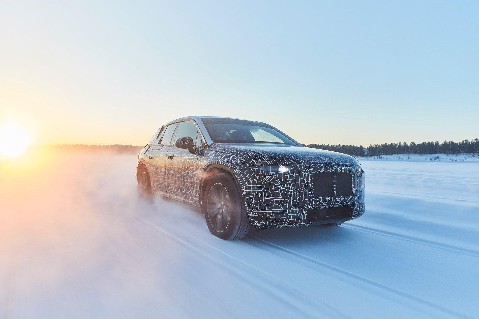 BMW iNEXT ondergaat wintertests op poolcirkel.