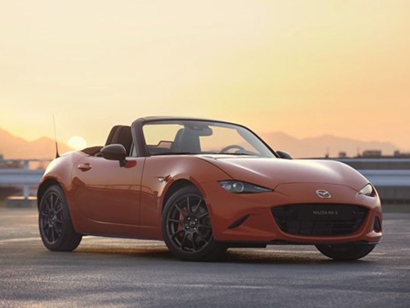 Mazda onthult MX-5 30th Anniversary Edition in Racing Orange