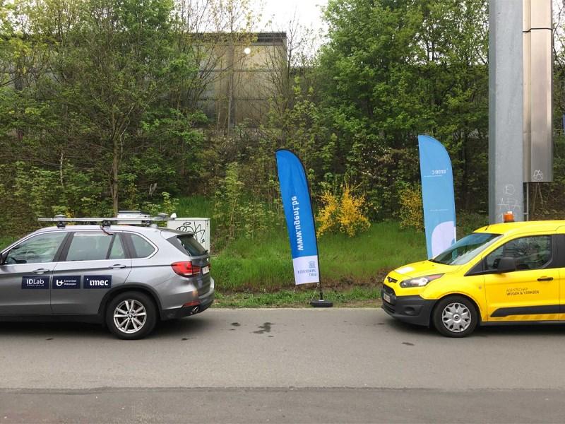 BMW partner in unieke 'Smart Highway' test : hoe auto's kunnen samenwerken om ongevallen te vermijden.