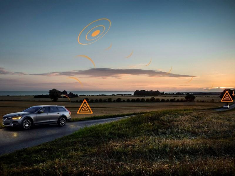 Volvo-modellen in heel Europa gaan elkaar waarschuwen voor gladde wegen en gevaar