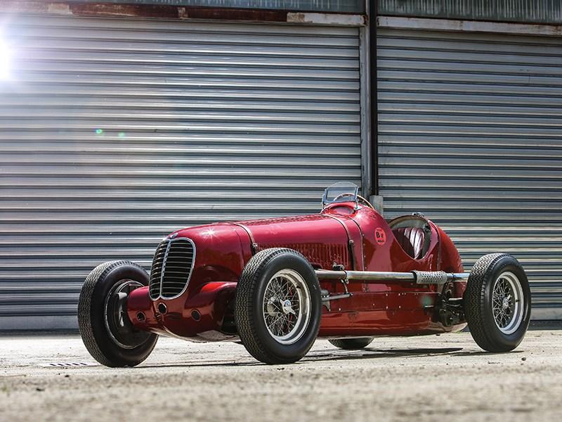 Maserati celebrates the victory of the Tipo 6CM in the 1939 Targa Florio
