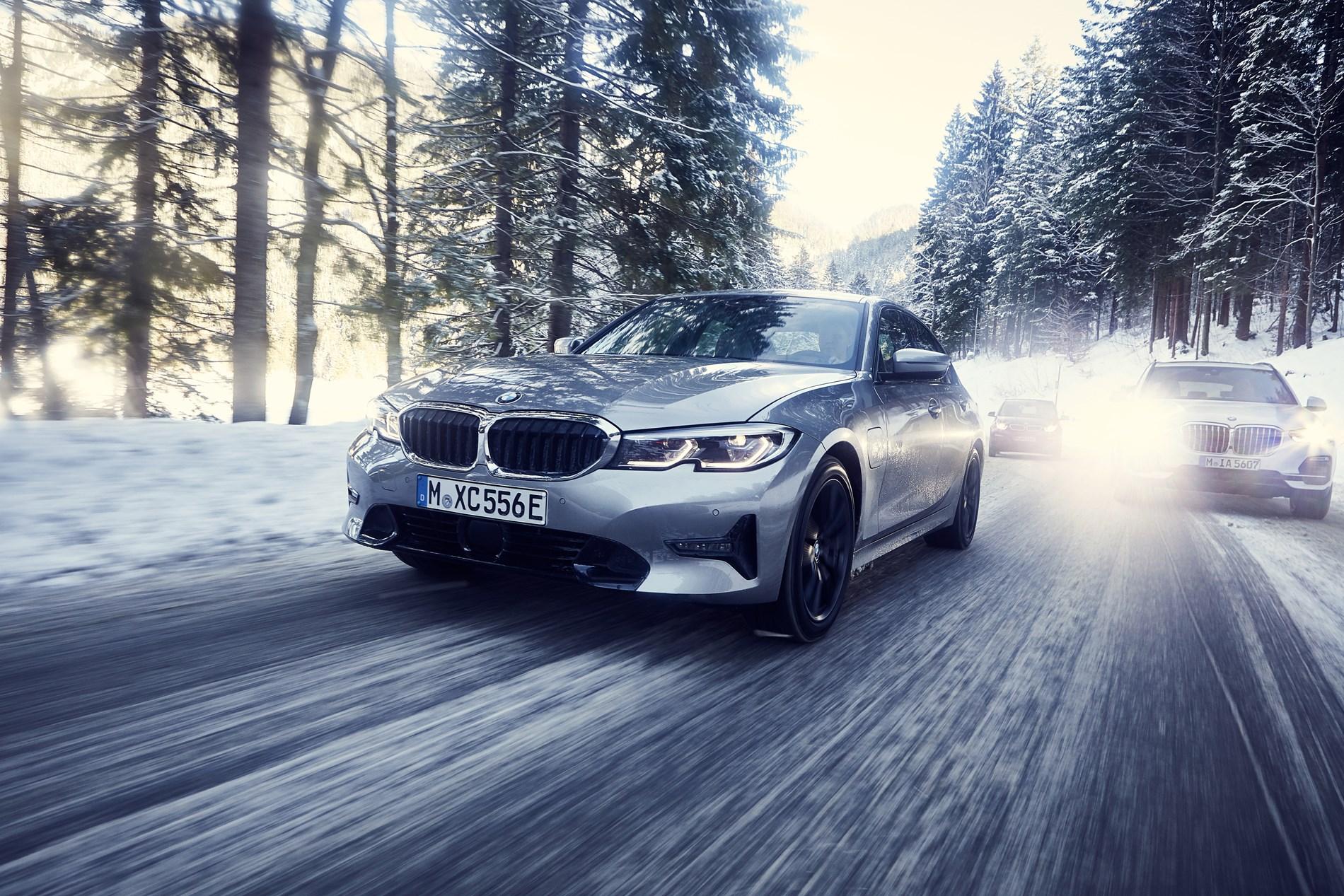 Sportiever en efficiënter dan ooit dankzij ultramoderne BMW eDrive Technologie: de nieuwe BMW 330e Berline.
