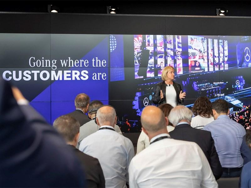 Car Avenue Coup d'envoi de l'expérience haut de gamme 4.0 : Mercedes-Benz présente le prochain chapitre de sa stratégie de vente à l'échelle mondiale « Meilleure expérience client »