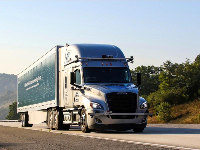 Car Avenue Daimler Trucks entame les essais de camions automatisés sur la voie publique
