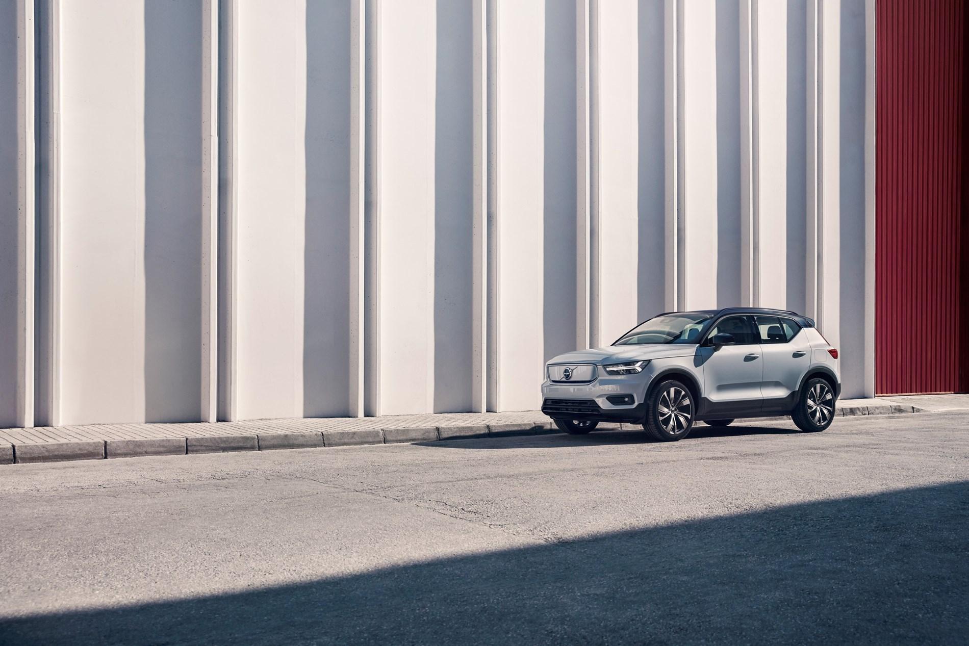 Volvo Cars lanceert de volledig elektrische Volvo XC40 Recharge als onderdeel van een nieuwe lijn elektrische auto's