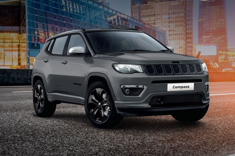 Saloncondities: Jeep Compass Black Star - Gent Motors