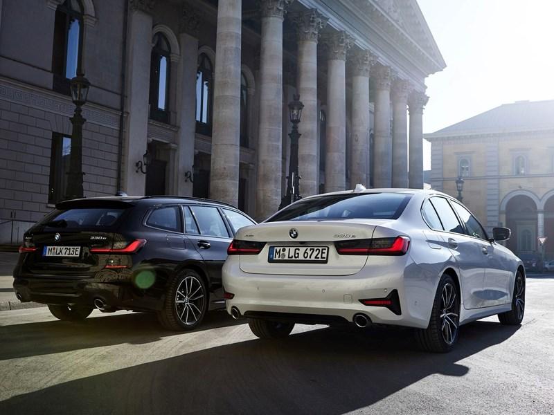 BMW zet elektrificatieoffensief voort: aanbod in de nieuwe BMW 3 Reeks groeit naar vier plug-in hybride modellen.