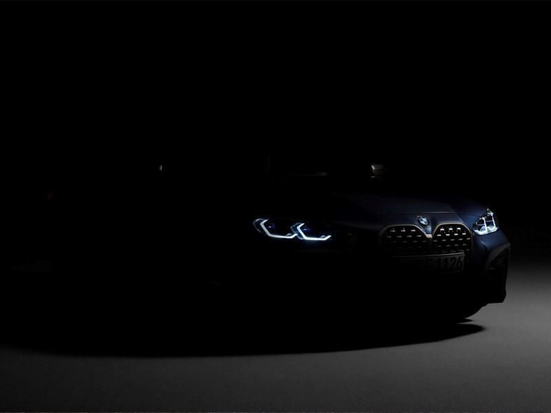 Digitale wereldpremière van de BMW 4 Reeks Coupé.