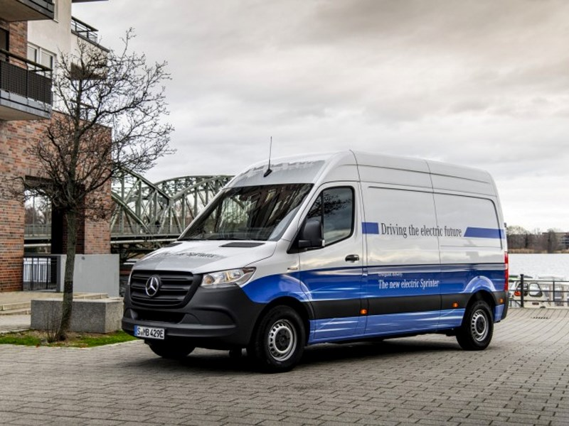 Car Avenue Mercedes-Benz Vans lance la vente du eSprinter électrique