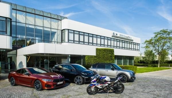 BMW GROUP BELUX GOES PHYGITAL