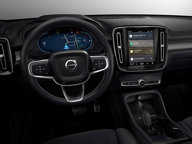Van Houdt Veiligheidsexperts van Volvo Cars: gebruik technologie om bestuurders te ondersteunen en afleiding te beperken