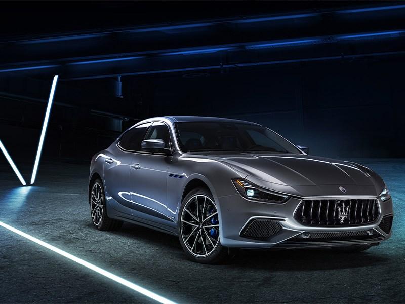 OPGELET: Intensieve wegenwerken ter hoogte van onze Maserati concessie aan de IJzerweglaan.