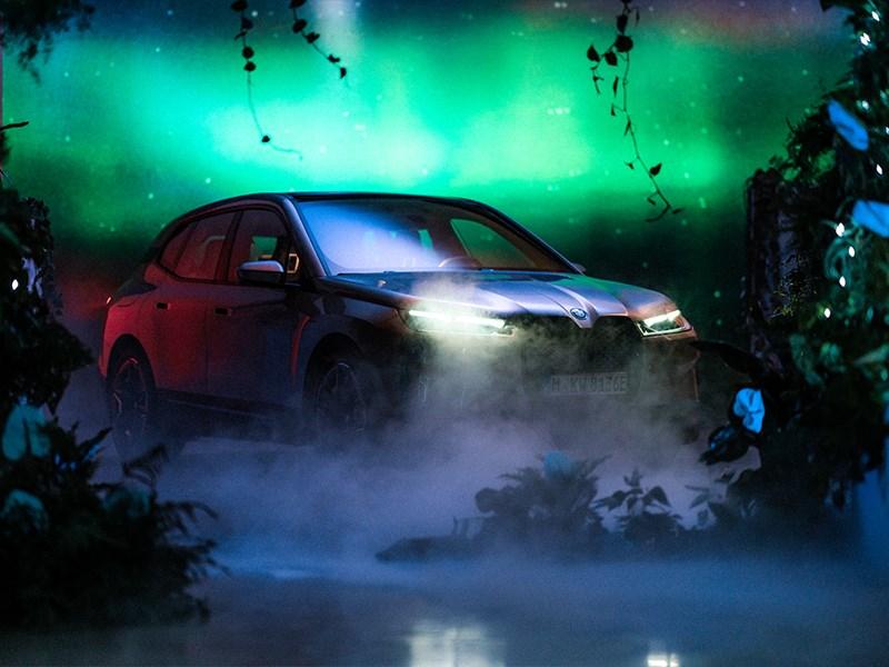 BMW kondigt toekomst van display en besturingssysteem BMW iDrive aan op CES 2021.