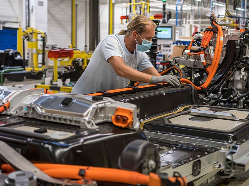 Volvo Cars wil elektrische productiecapaciteit in Gent verdrievoudigen na topjaar voor de verkoop van elektrische wagens