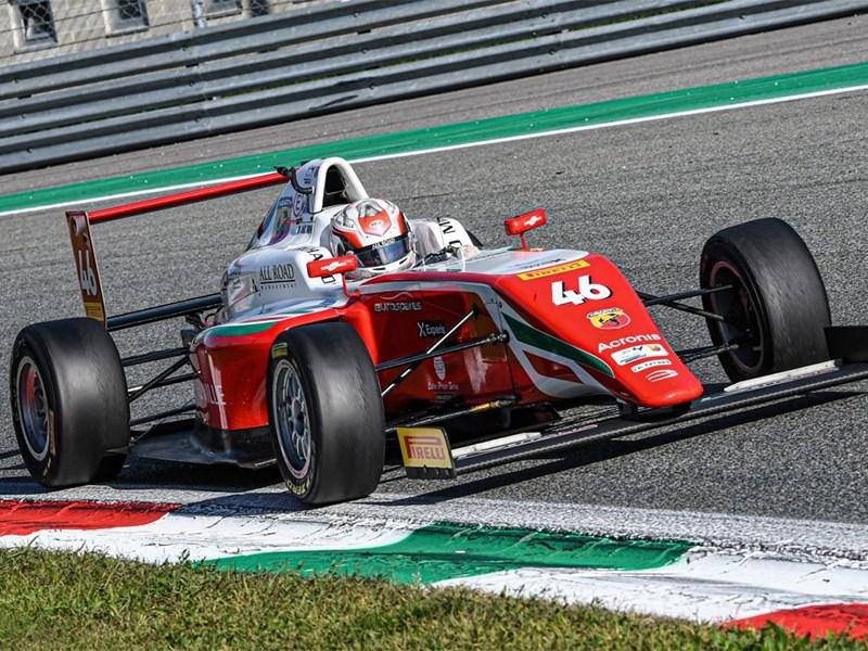 Italiaans F4 Championship Powered by Abarth : Gabriele Minì, de regerend Italiaans kampioen, van zijn vaders' Abarth A112 naar de droom van Formule 1