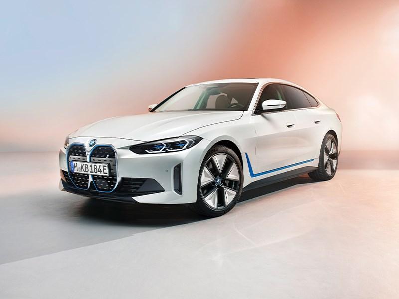 Een blik op de allereerste volledig elektrische BMW i4.