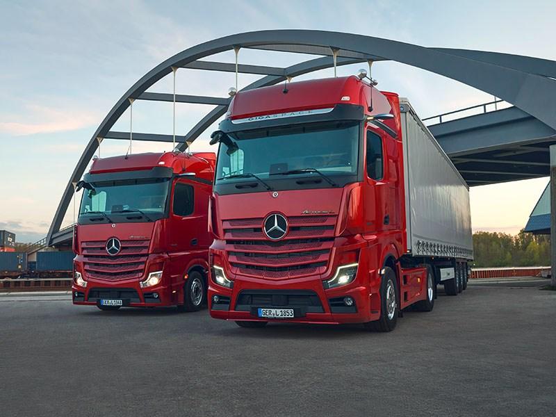 Van Houdt De Actros L: Mercedes-Benz Trucks voert een nieuwe norm in het premiumsegment voor langeafstandstrucks in