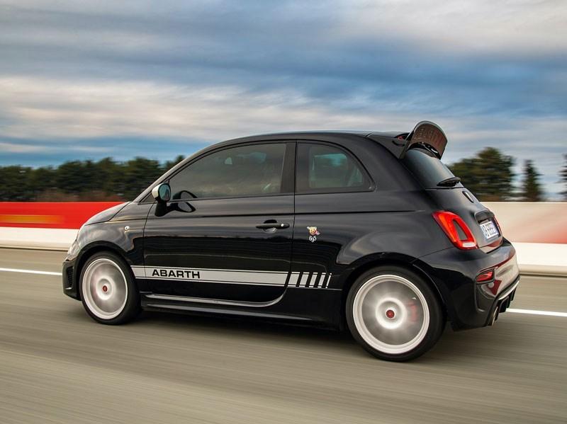 Nieuwe Abarth 695 Esseesse: optimale prestaties, topacceleratie en de beste rijeigenschappen voor de nieuwe