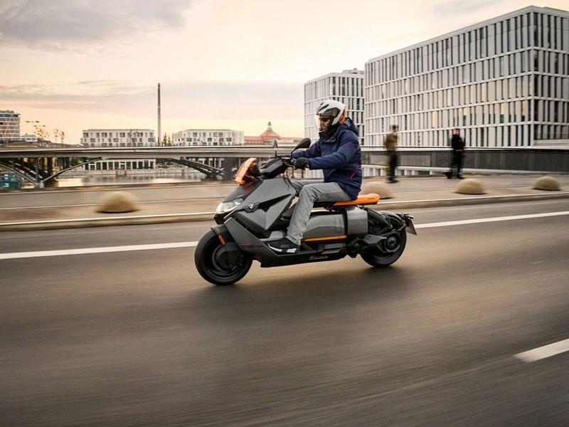Le nouveau BMW CE 04