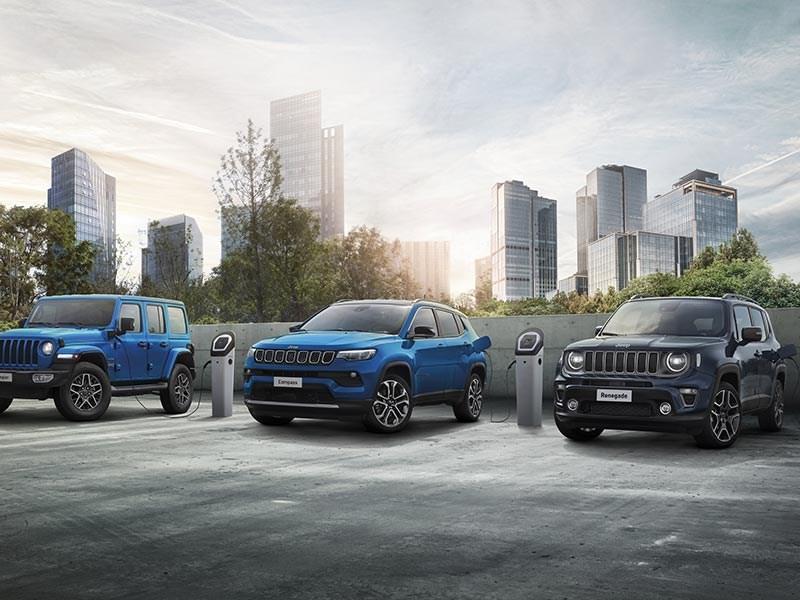 Het merk Jeep® viert 80 jaar door te bouwen aan een 'Electric Present and Future'