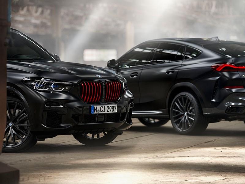 Individueel aura, indrukwekkende uitstraling: BMW X5 en BMW X6 limited editions Black Vermilion en BMW X7 limited edition in Frozen Black metallic.